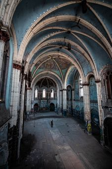 Free Man Standing Inside Abandoned Building Royalty Free Stock Photography - 134821847
