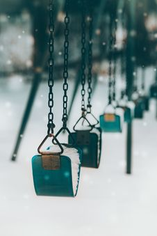 Free Grey Metal Chain Over Snow Field Stock Photo - 134821920