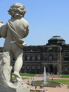 Free Zwinger Royalty Free Stock Image - 1351906