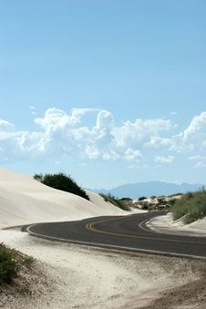 Free Winding Desert Highway Stock Photography - 1357542