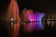 Free Assorted-color Water Fountains Stock Photos - 135195183