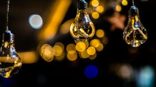 Free Close-Up Photo Of Three Hanging Light Bulbs Royalty Free Stock Photos - 135195478