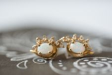 Free Close-Up Photo Of Golden Earrings Stock Images - 135195744