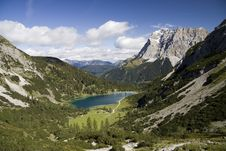 Free Wetterstein And Valley Of Seebensee Royalty Free Stock Images - 13549919