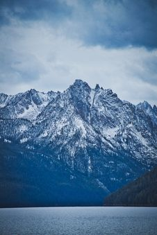 Free Mountain Covered By Clouds Stock Photo - 135444640
