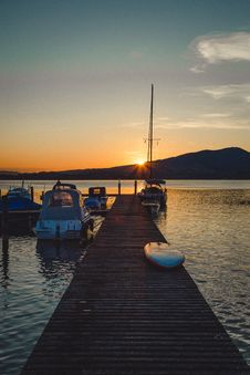Free Photo Of Dock During Dawn Stock Images - 135444834