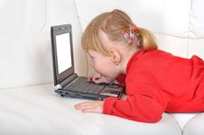 Free Child With Notebook Stock Image - 13550501