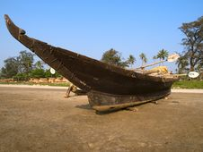 Free Wooden Boat On The Beach Stock Images - 13552714