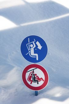 Free Signs In The Snow Royalty Free Stock Photos - 13553748