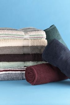 Free Folded And Rolled Towels Royalty Free Stock Photos - 13554658