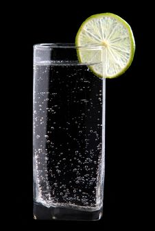 Free Glass Of Sparkling Water With Lime Royalty Free Stock Image - 13555306