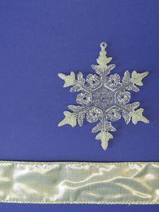 Free White Snowflake Royalty Free Stock Photos - 13557628