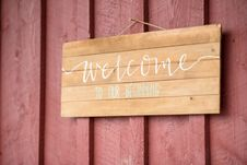 Free Welcome Wooden Signage Royalty Free Stock Photography - 135588707