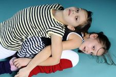 Free Twins Exercising Royalty Free Stock Photography - 13563667