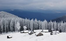 Free Winter Landscape In Mountains Royalty Free Stock Photography - 13566057