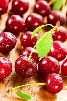 Free Fresh Cherries Royalty Free Stock Photography - 13568987