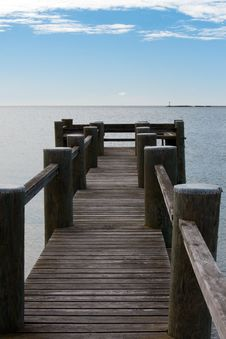 Free Wooden Pier Stock Photography - 13569212