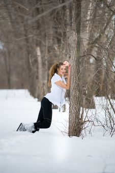 Free Fashion Model Posing In Winter Royalty Free Stock Photo - 13573685