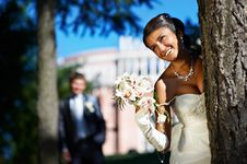 Free Bride And Groom In Park Royalty Free Stock Photos - 13578518