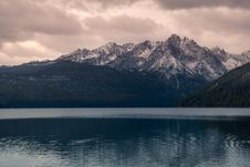 Free Landscape Photography Of Mountain Alps Near Body Of Water Royalty Free Stock Photo - 135770765