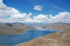 Free A Beautiful Lake In Tibet Royalty Free Stock Photography - 13583077