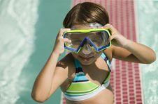 Free Girl (7-9) Adjusting Goggles Stock Photos - 13583973