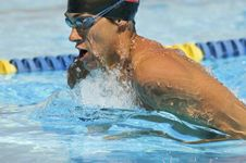 Free Competitive Swimmer Royalty Free Stock Photos - 13585338