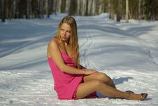 Free The Girl On Snow Royalty Free Stock Images - 13589589