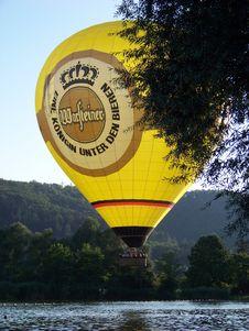 Free Hot Air Balloon, Hot Air Ballooning, Water, Yellow Stock Photo - 135806610