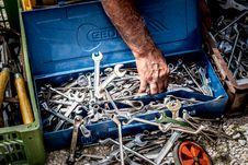 Free Scrap, Mechanic, Auto Part Royalty Free Stock Photography - 135806997