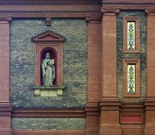 Free Church Wall With Statue Royalty Free Stock Photography - 13591587