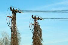 Free Electric Pole Twins 2 Royalty Free Stock Photography - 13591647