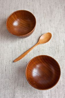 Free Wooden Bowls Stock Photo - 13592880