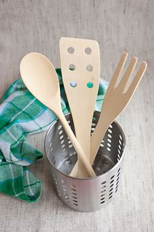 Free Wooden Spoons In A Jar Royalty Free Stock Photos - 13592978