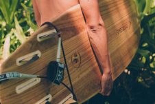 Free Close-Up Photo Of Person Carrying Surfboard Royalty Free Stock Photos - 135955448