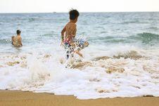 Free Photo Of Boy Rushing Towards Sea Royalty Free Stock Photography - 135955557