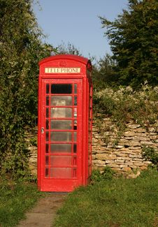 Free Red Phone Box Royalty Free Stock Photography - 1365417