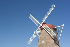Free Dutch Windmill Royalty Free Stock Images - 1369689