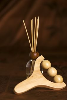 Free Wooden Massager With Diffuser Royalty Free Stock Images - 13608479
