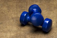 Free Blue Dumbbells Royalty Free Stock Photo - 13608485