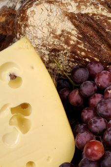 Free Cheese, Red Grapes And Bread Isolated Royalty Free Stock Photos - 13609368