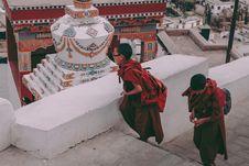 Free Children Walking On Temple Stock Image - 136045241