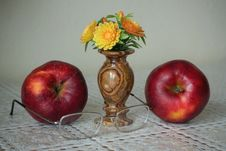 Free Fruit, Apple, Still Life, Still Life Photography Stock Photography - 136081632