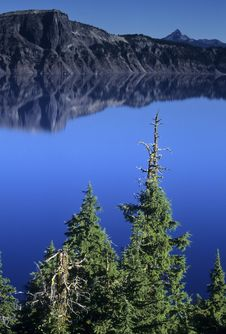 Free Still Water At Crater Lake National Stock Photos - 13613823