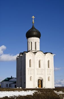 Free Church Of The Intercession On The Nerl Royalty Free Stock Photo - 13614765