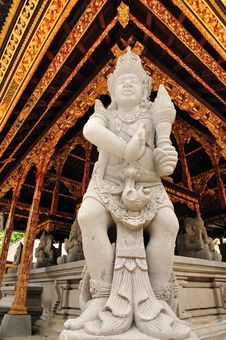 Free Hindu Statue 2 Stock Images - 13616184