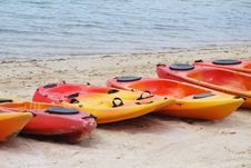 Free Beached Kayaks Royalty Free Stock Image - 13619576