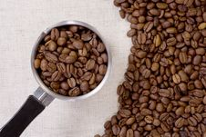Free Coffee Pot Andbeans Stock Photo - 13621590