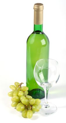Free Glass, Bottle And Grapes Royalty Free Stock Photography - 13623317