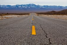 Free Empty Road Royalty Free Stock Photos - 13627998